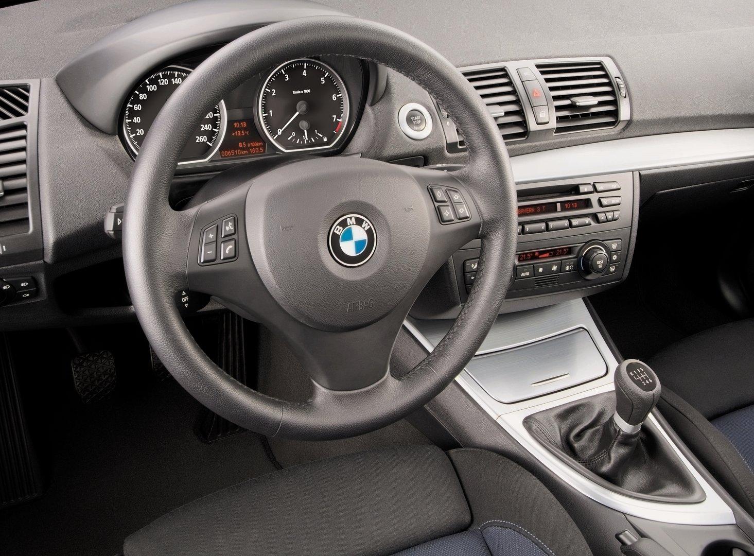 BMW 130i 5p E87 4