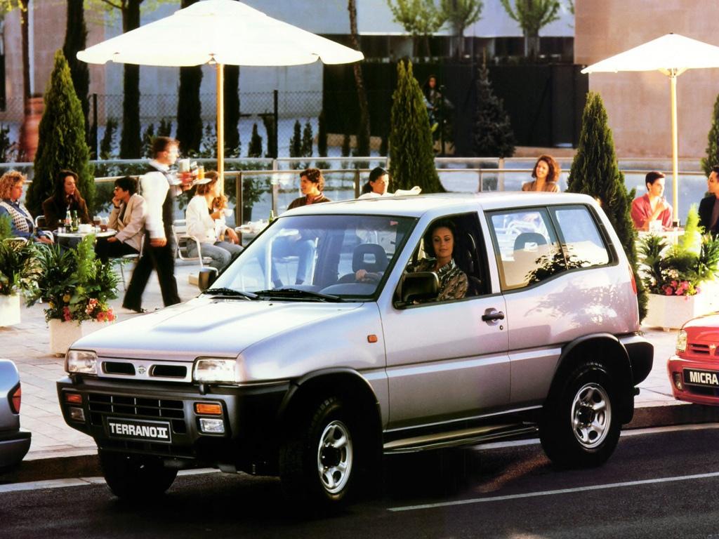Nissan Terrano II 4