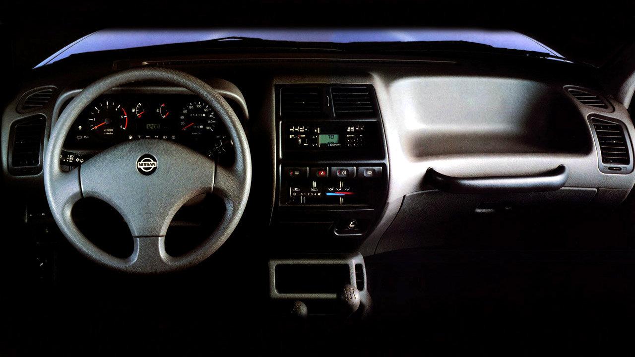 Nissan Terrano II 5