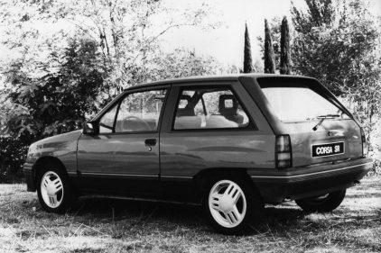 Opel Corsa SR 1983 2