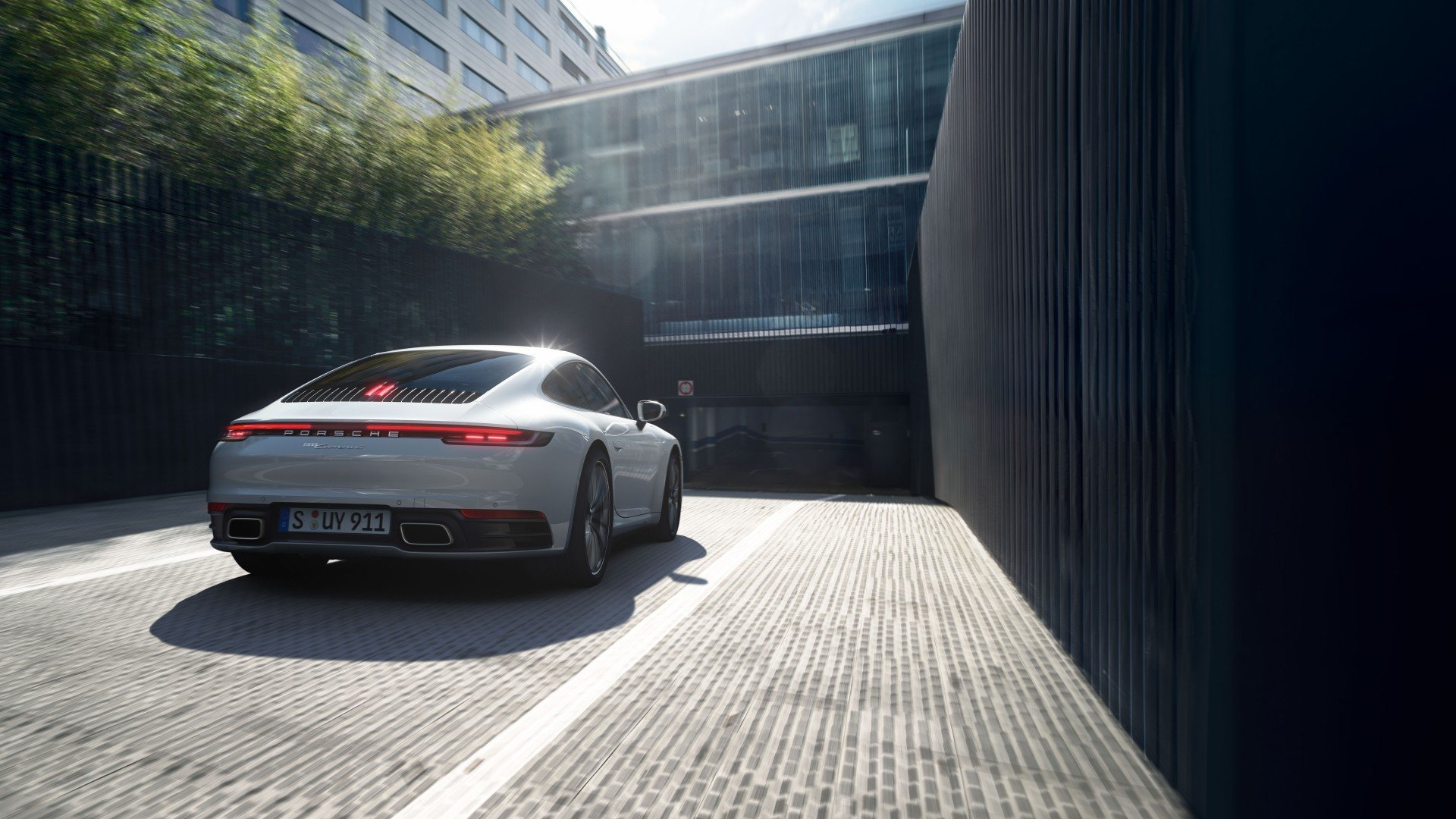 Porsche 911 Carrera 4 (2)