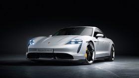 Porsche Taycan Turbo S 10