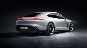 Porsche Taycan Turbo S 11