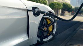 Porsche Taycan Turbo S 12