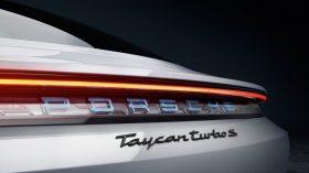 Porsche Taycan Turbo S 14