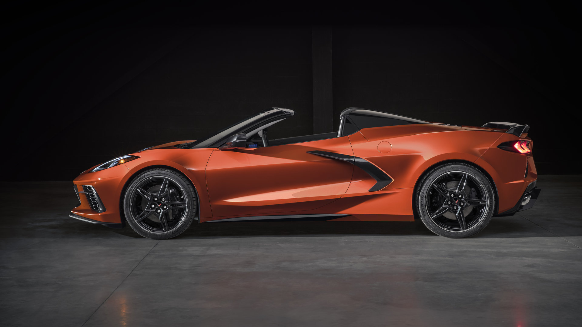 2020 Chevrolet Corvette Convertible hardtop 07