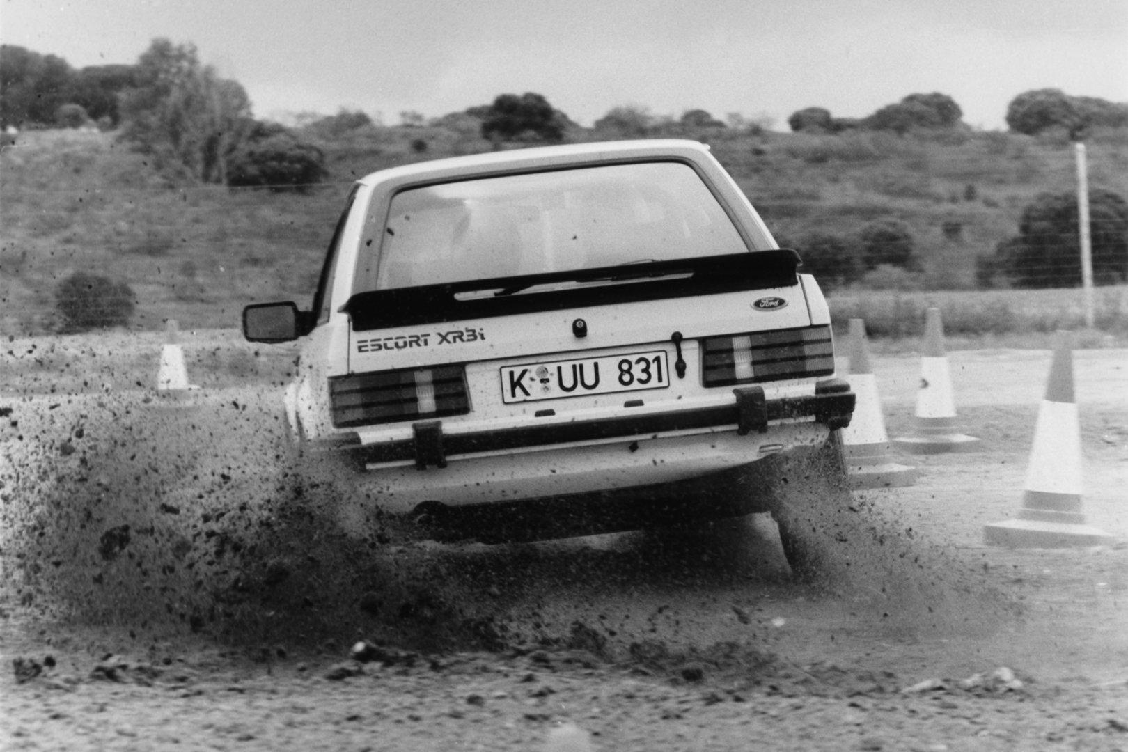 Ford Escort XR3 MkIII drift