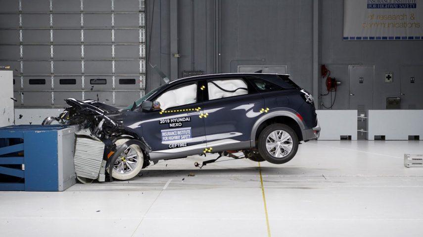 El Hyundai NEXO se somete a las pruebas de choque del IIHS