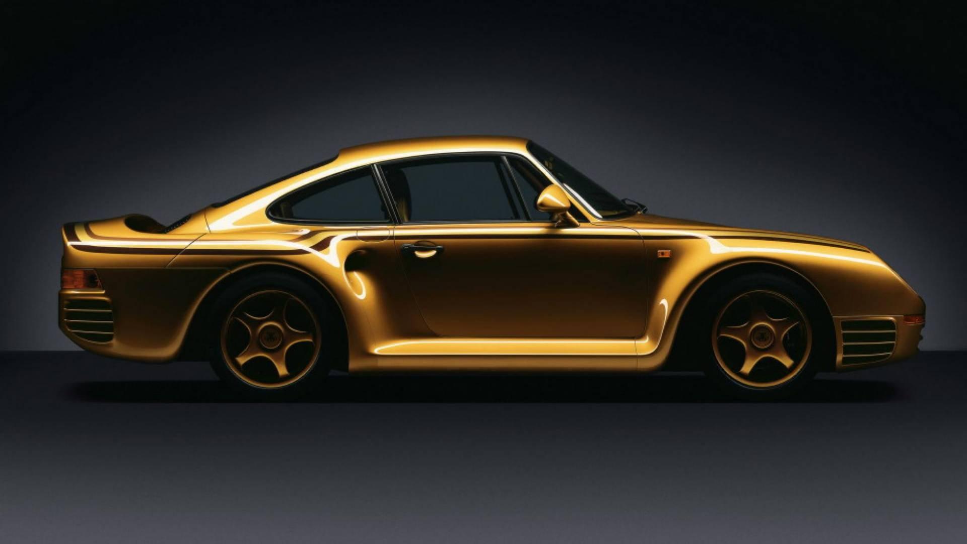"""Porque no hay nada que diga tanto """"me sobra el dinero"""" que tener un Porsche 959 dorado"""