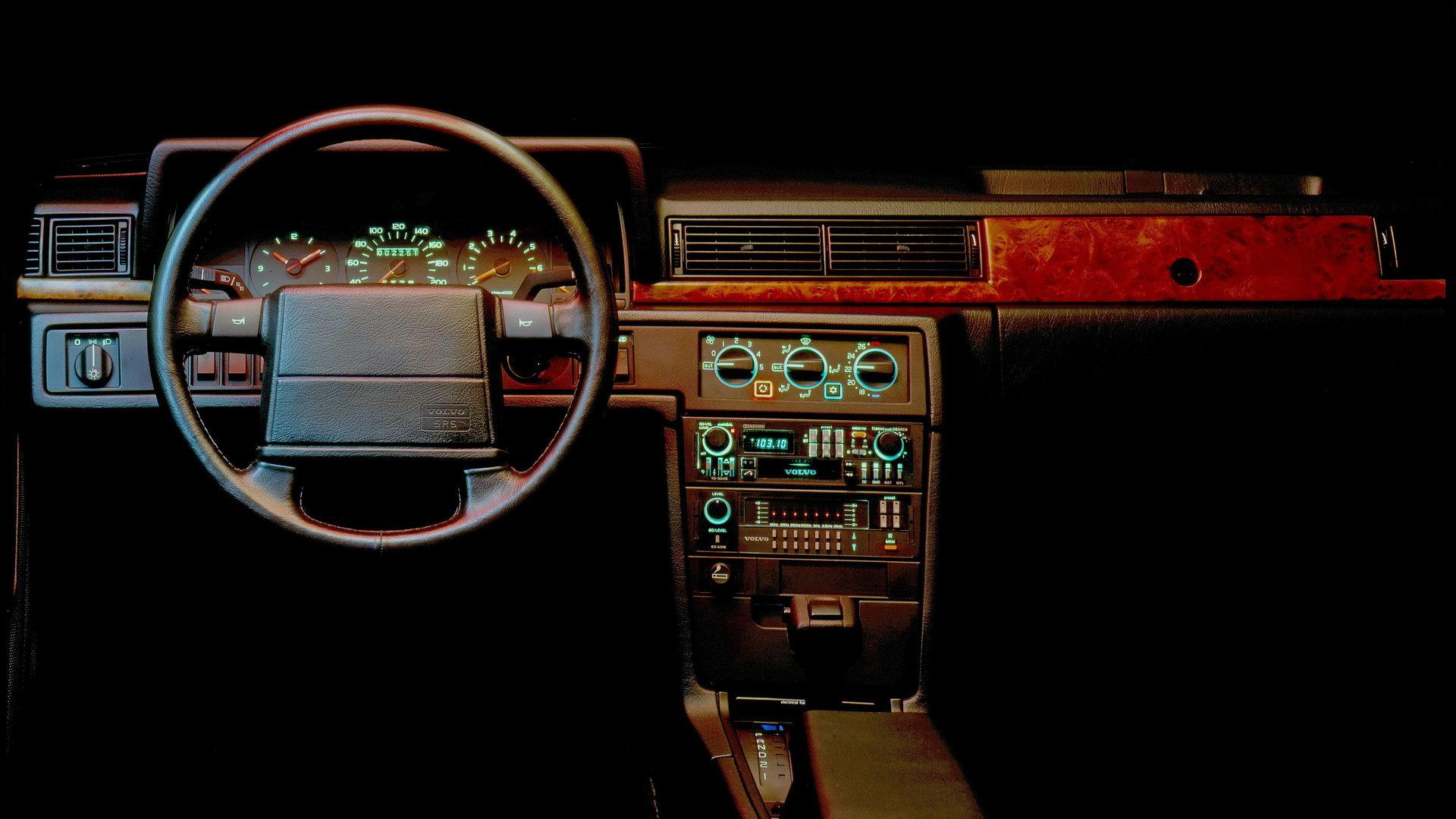 Volvo 780 Coupe 3