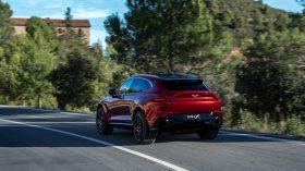 Aston Martin DBX 2020 06