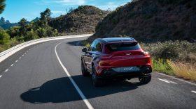 Aston Martin DBX 2020 07