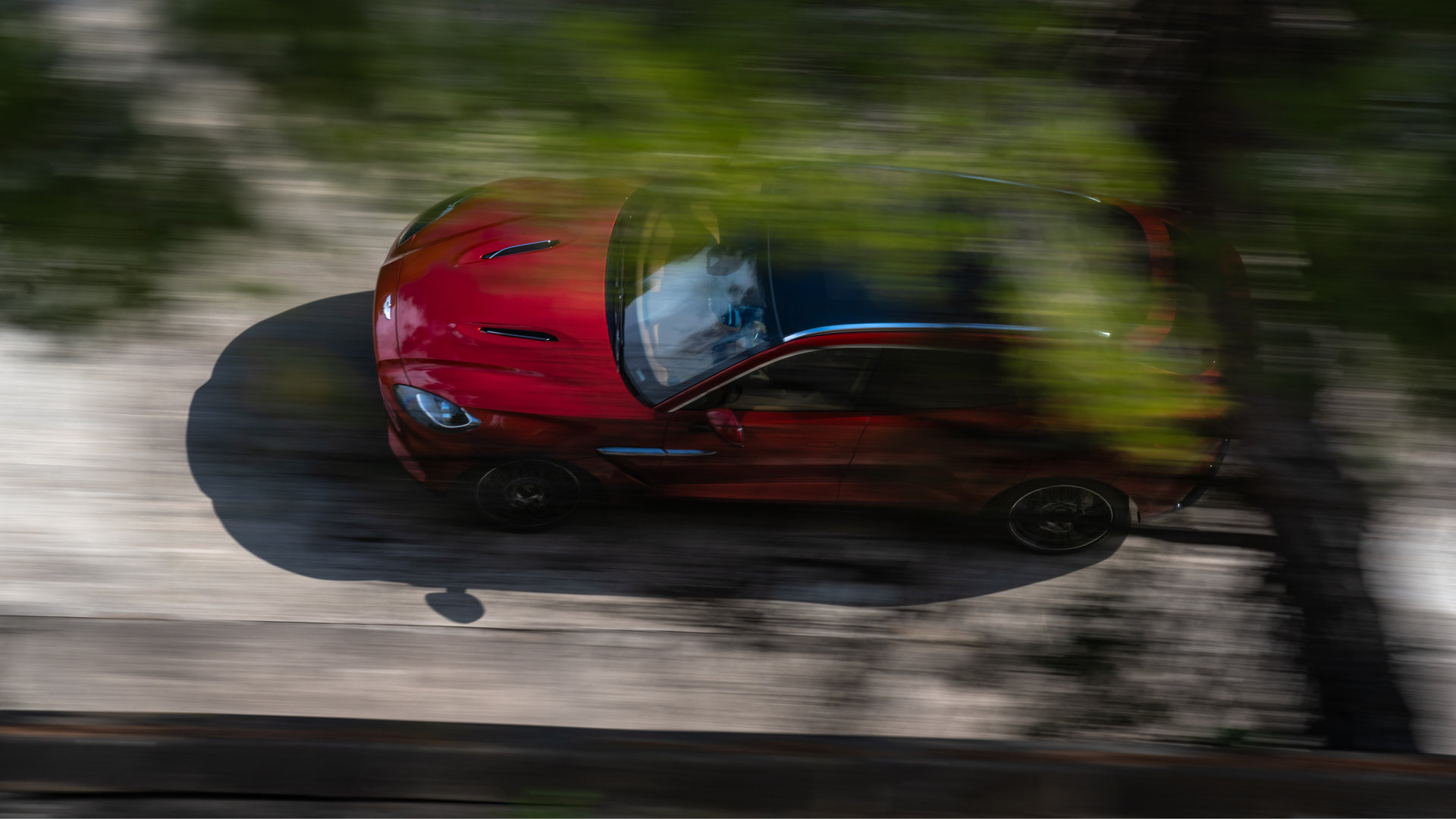 Aston Martin DBX 2020 13