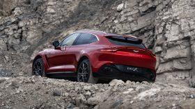 Aston Martin DBX 2020 18