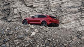 Aston Martin DBX 2020 20