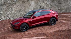 Aston Martin DBX 2020 22