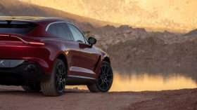 Aston Martin DBX 2020 23