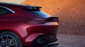 Aston Martin DBX 2020 26