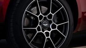 Aston Martin DBX 2020 27