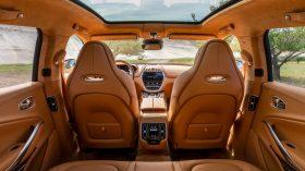 Aston Martin DBX 2020 29