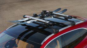 Aston Martin DBX 2020 33