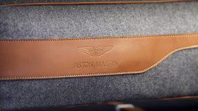 Aston Martin DBX 2020 38