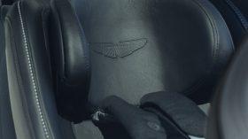 Aston Martin DBX 2020 40