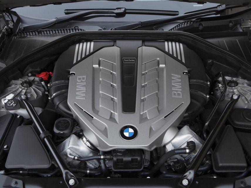 BMW 750i F01 5