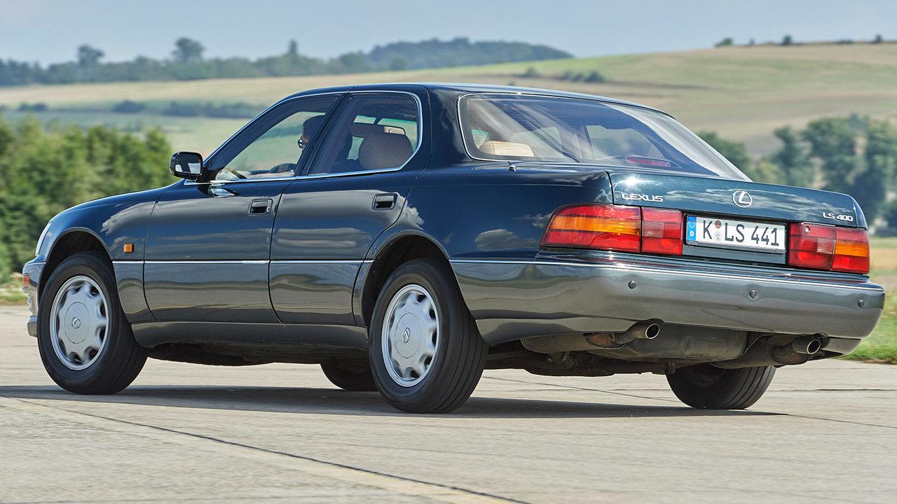 Lexus LS 400 UCF10 3