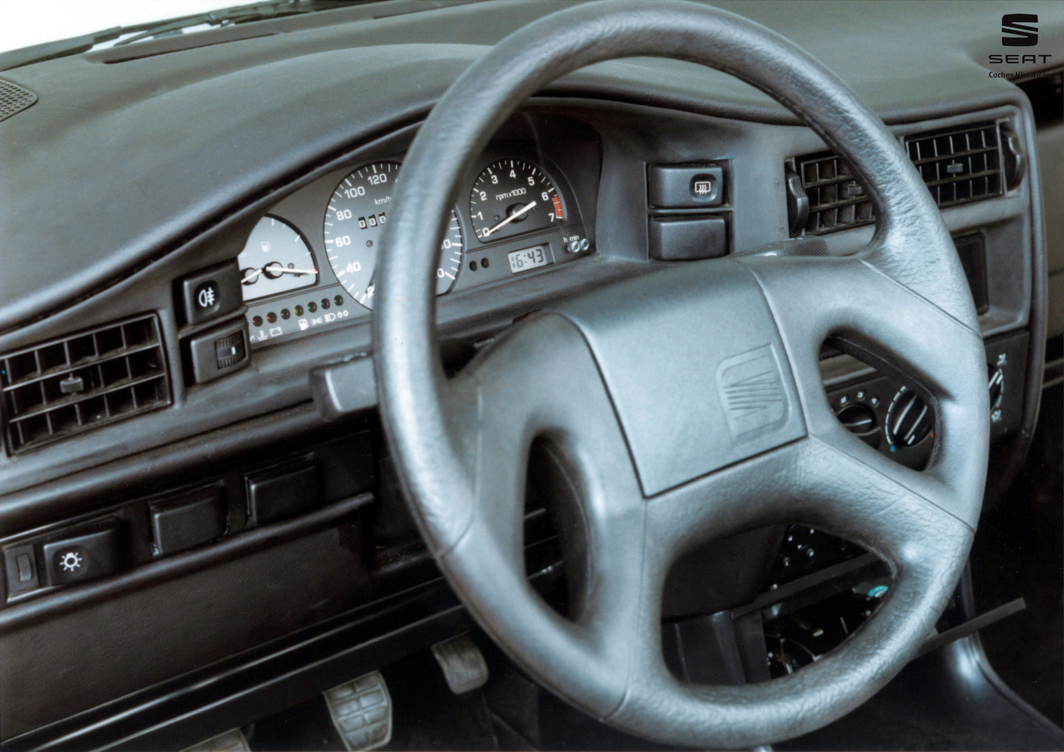 SEAT Toledo 1800 GLX 1L 3