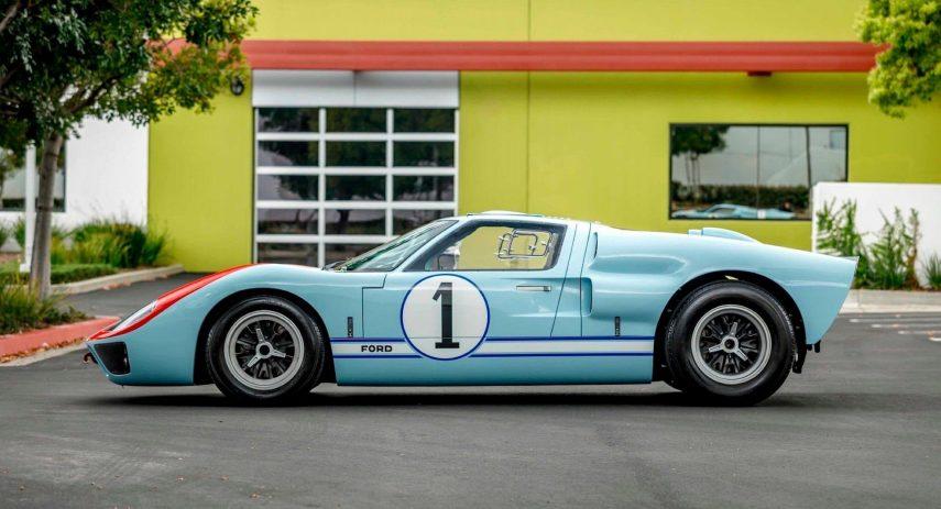 Superformance Ford GT40 MK (24)