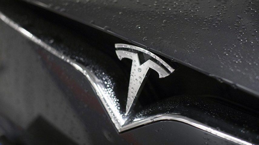 Nuevo susto en el NASDAQ por una caída rápida de cotización de Tesla