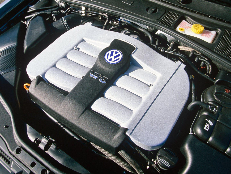 Volkswagen Passat W8 B5 5