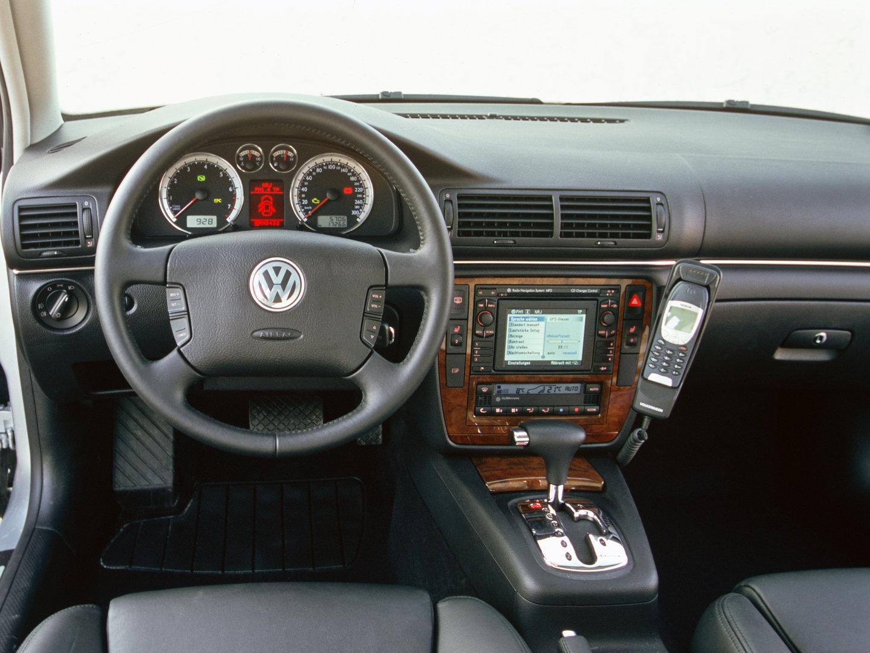 Volkswagen Passat W8 B5 6