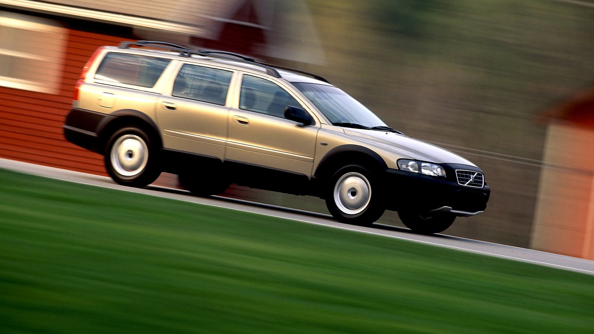 Volvo V70 XC Cross Country 4