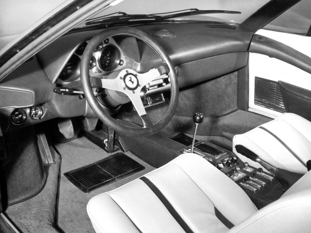 Ferrari 308 GTB vetroresina 3