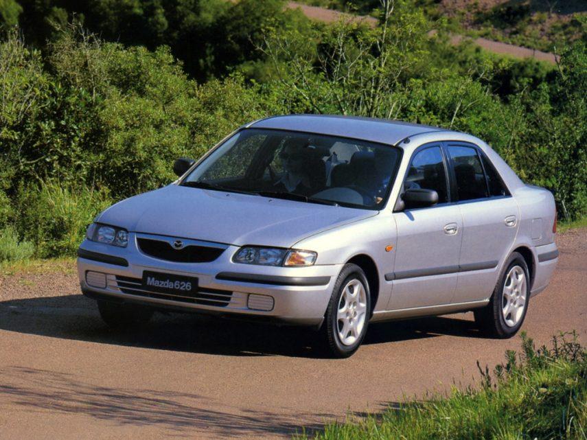 Coche del día: Mazda 626 2.0i FE (GF)