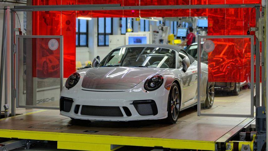 """Sale de la línea de montaje el último Porsche 911 """"991"""""""