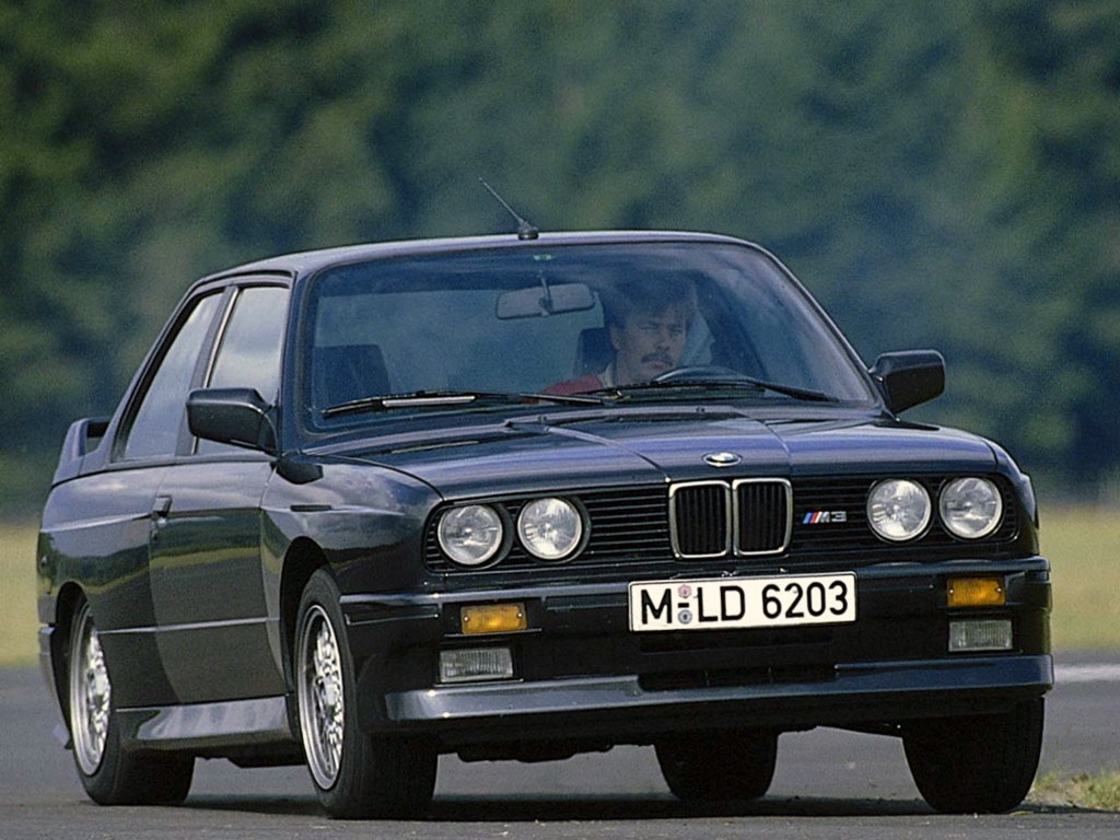 Top10 Adrian BMW M3 E30
