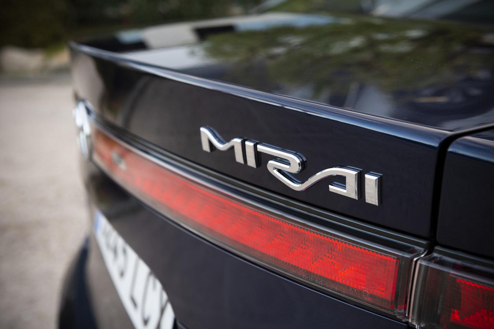 Toyota Mirai 3245 LCX 3
