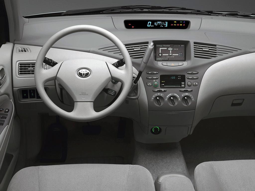 Toyota Prius XW10 4