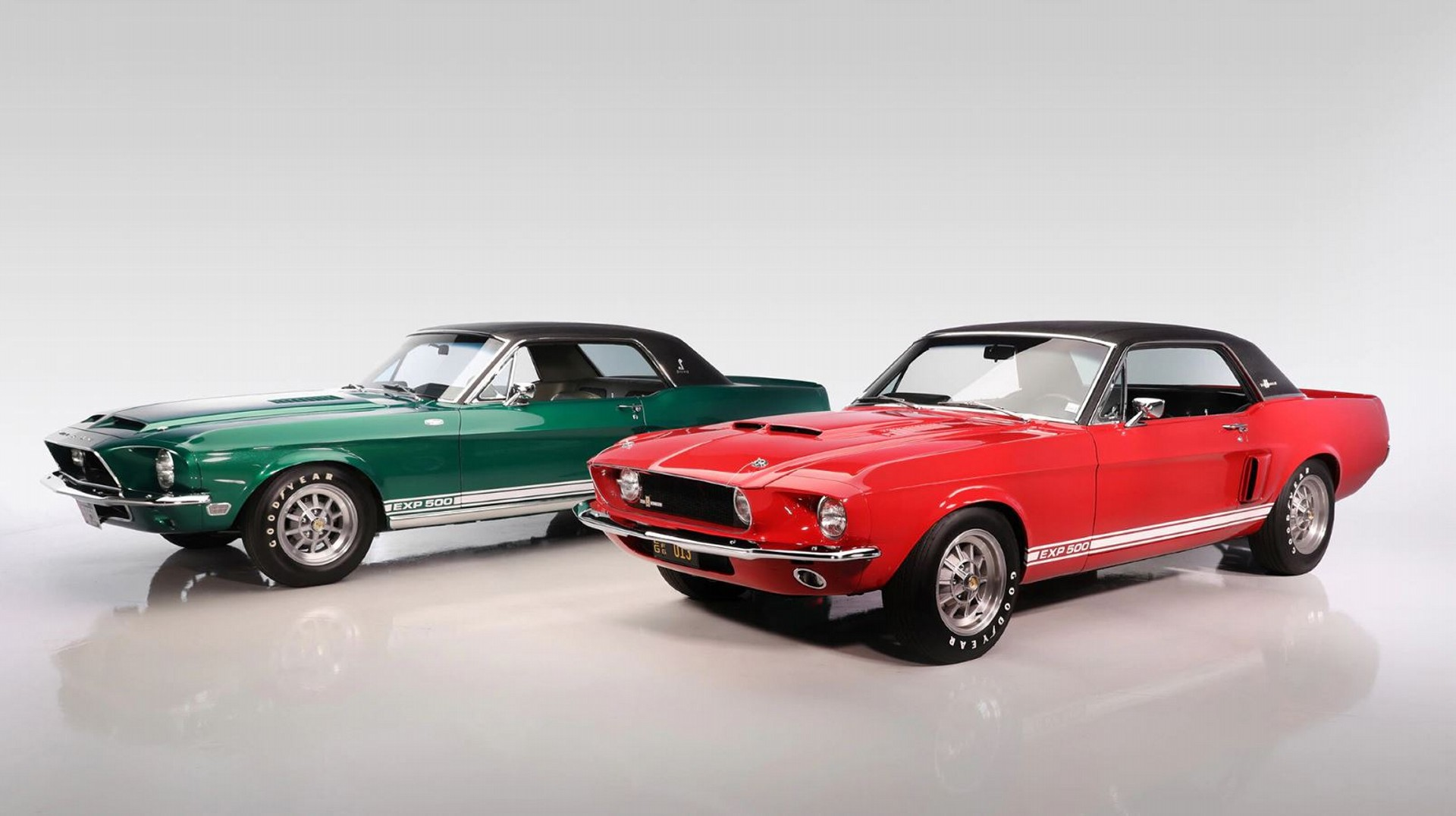 1967 Shelby GT500 Little Red y 1967 Shelby GT500 Green Hornet