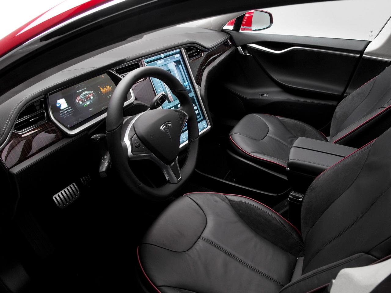 2012 Tesla Model S 60D interior