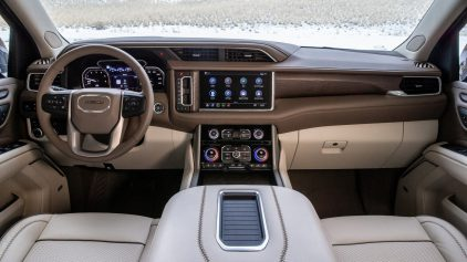 2021 GMC Yukon Interior (2)