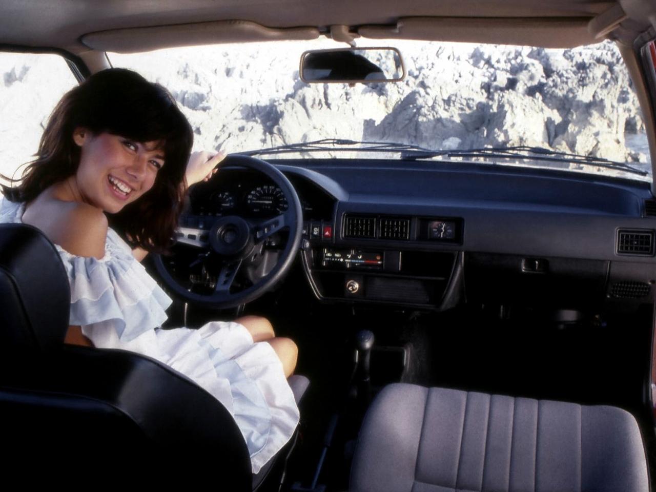 Alfa Romeo Arna SL interior