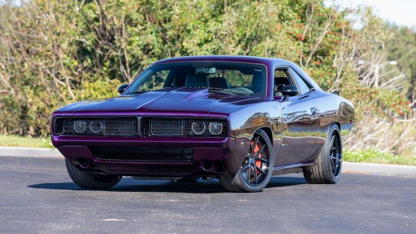 El Dodge Challenger SRT Hellcat vuelve al pasado gracias a Six Twelve Auto Worx