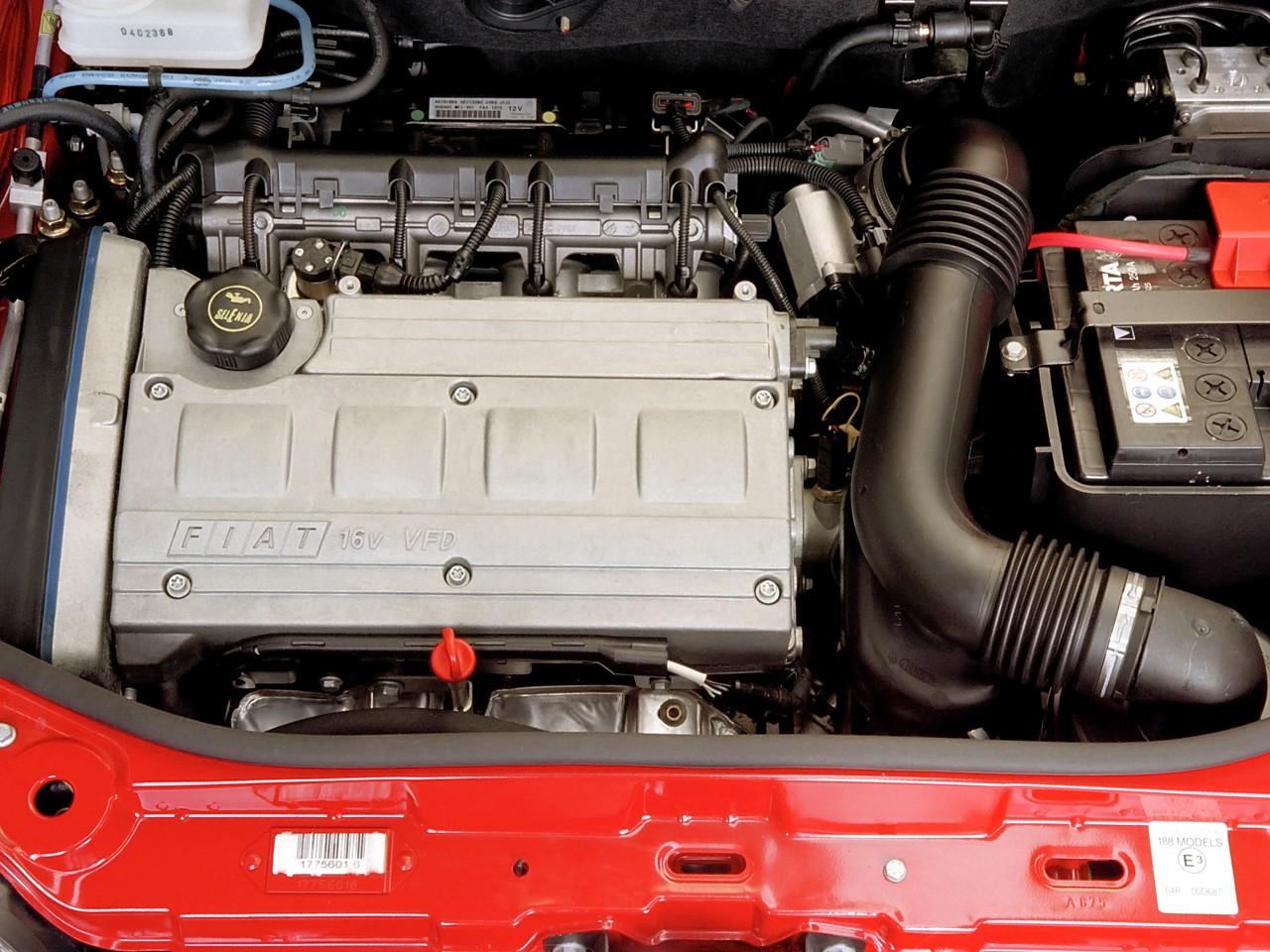 Fiat Punto HGT motor