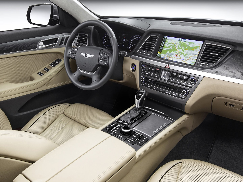 Hyundai Genesis Sedan DH 4