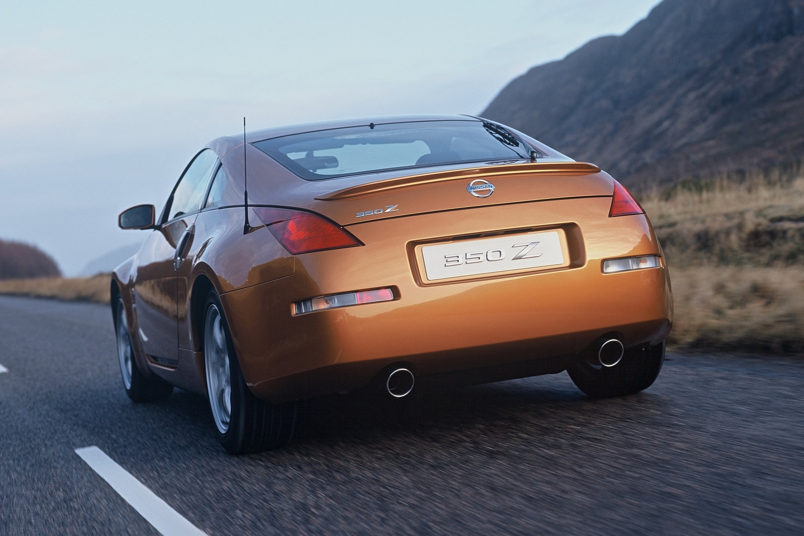 Nissan 350Z Coupe 6