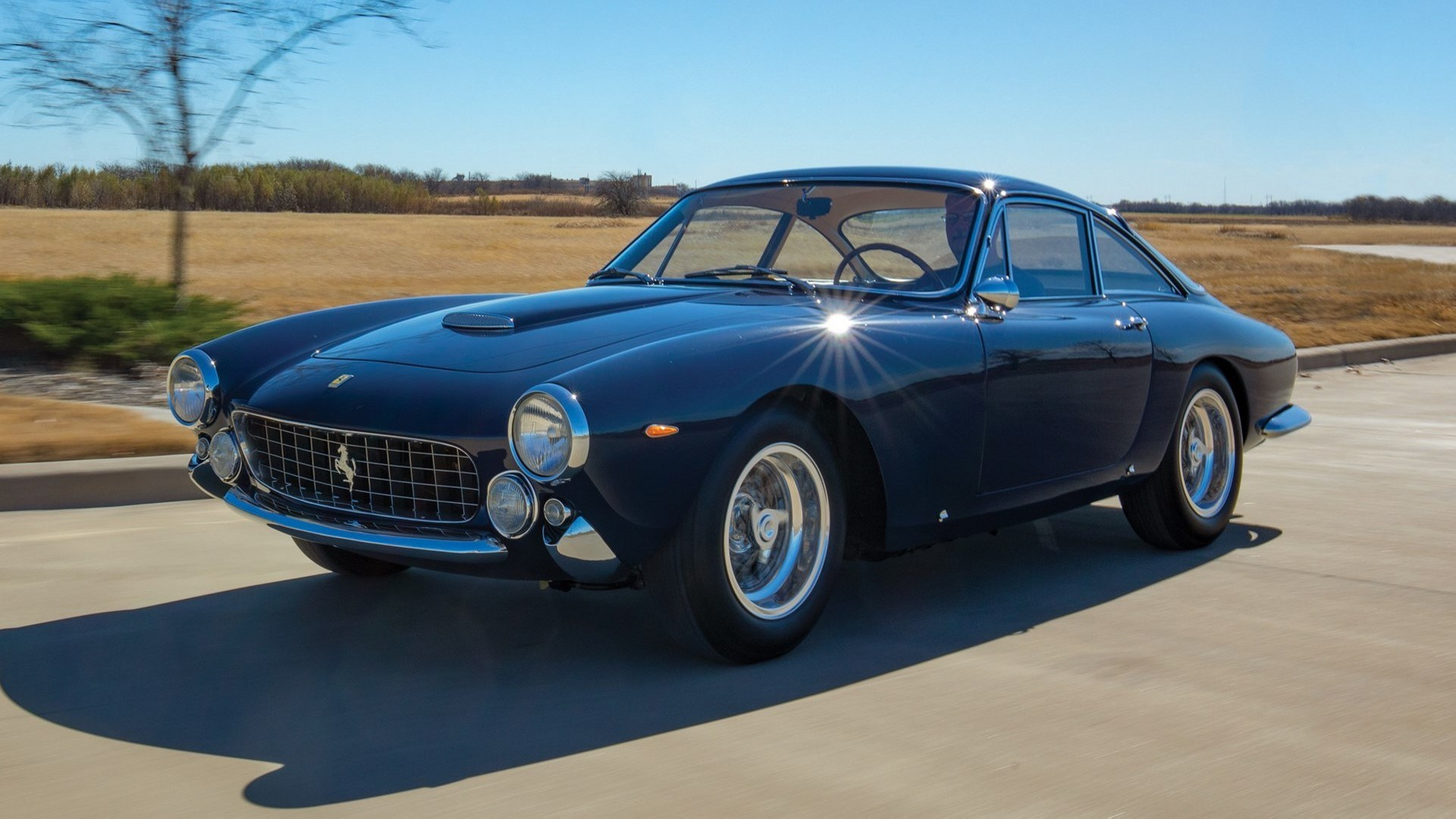 """Este Ferrari 250 GT/L Berlinetta """"Lusso"""" ha estado 48 años con el mismo dueño"""